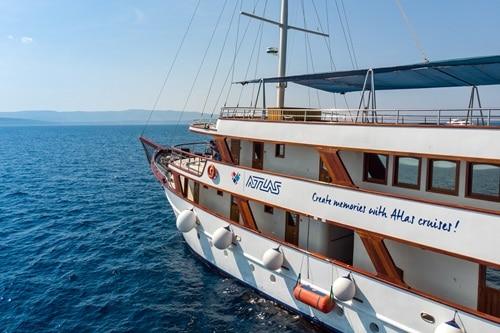 Paradis Cruise Ship, Croatia
