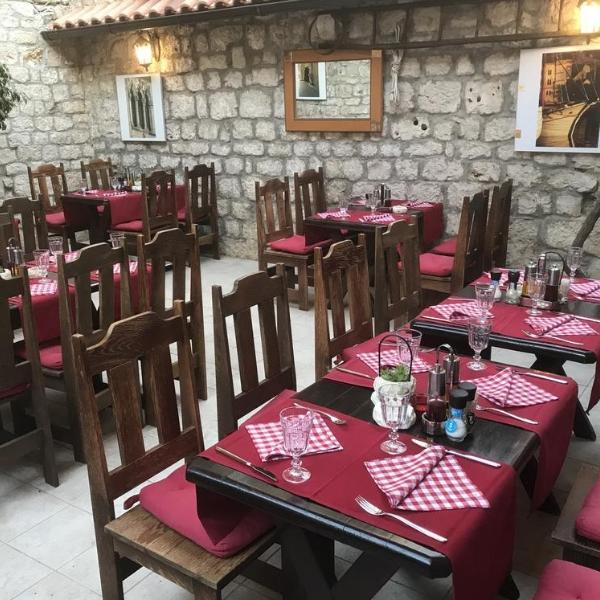 Hotel Tragos breakfast