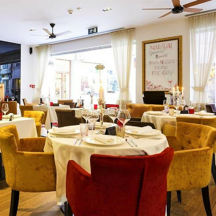 Hotel Marmont, Split dining facilities perfect for friends and family