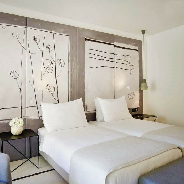 Hotel Kompas, Dubrovnik twin bed bedroom