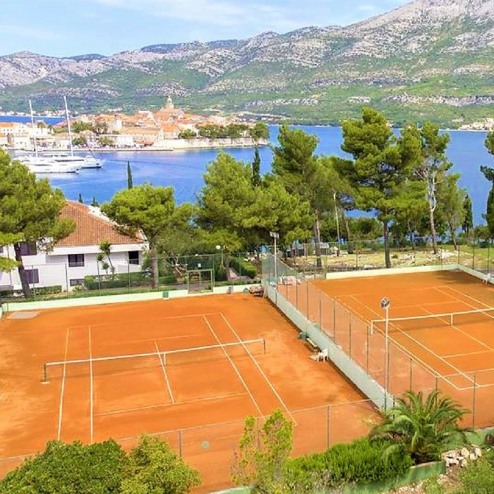 Hotel Liburna, Korcula tennis court and sea view