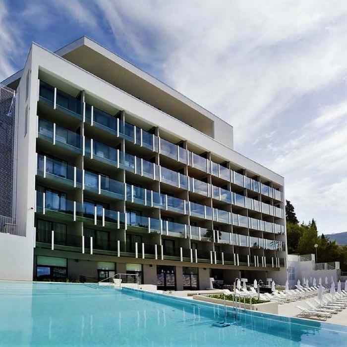Hotel Kompas, Dubrovnik poolside view