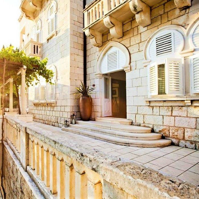 Villa Orsula, Dubrovnik entrance to to hotel