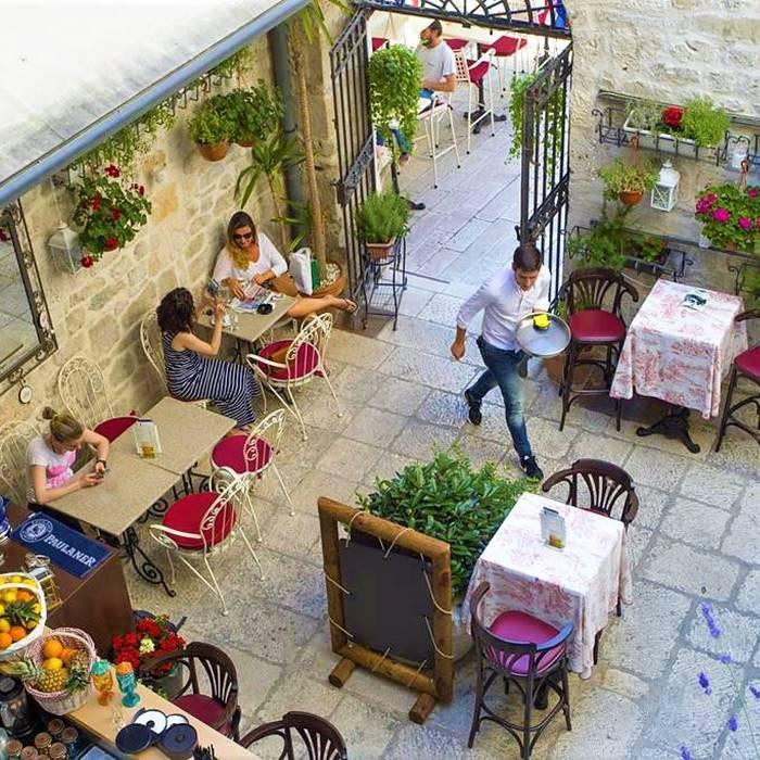 Palace Judita Heritage, Split hotel foe cafe