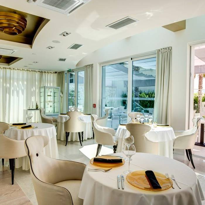 Hotel Damianii, Omis indoor comfy dining facilities