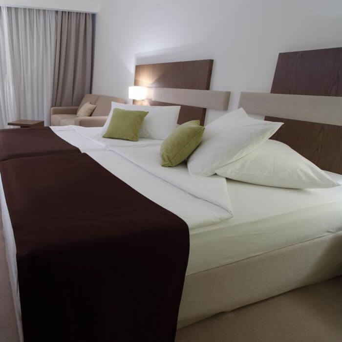 Hotel Park, Makarska twin bedroom