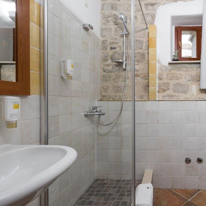 Villa Nora, Hvar bathroom and shower