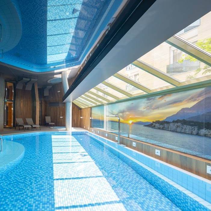 Hotel Park, Makarska indoor pool with sea view and indoor lounge chairs