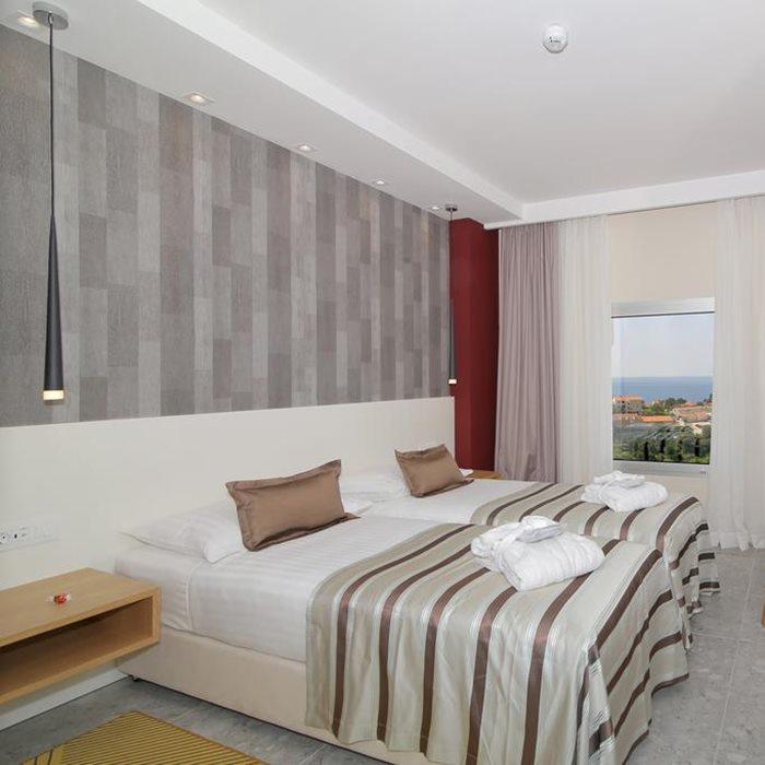 Hotel Lero room