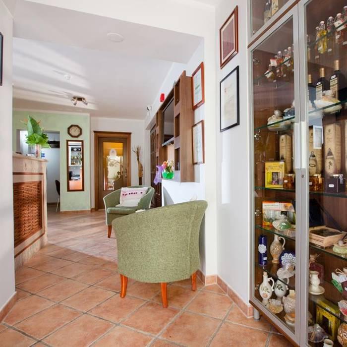 Villa Andrea, Tucepi traditional gift shop and reception
