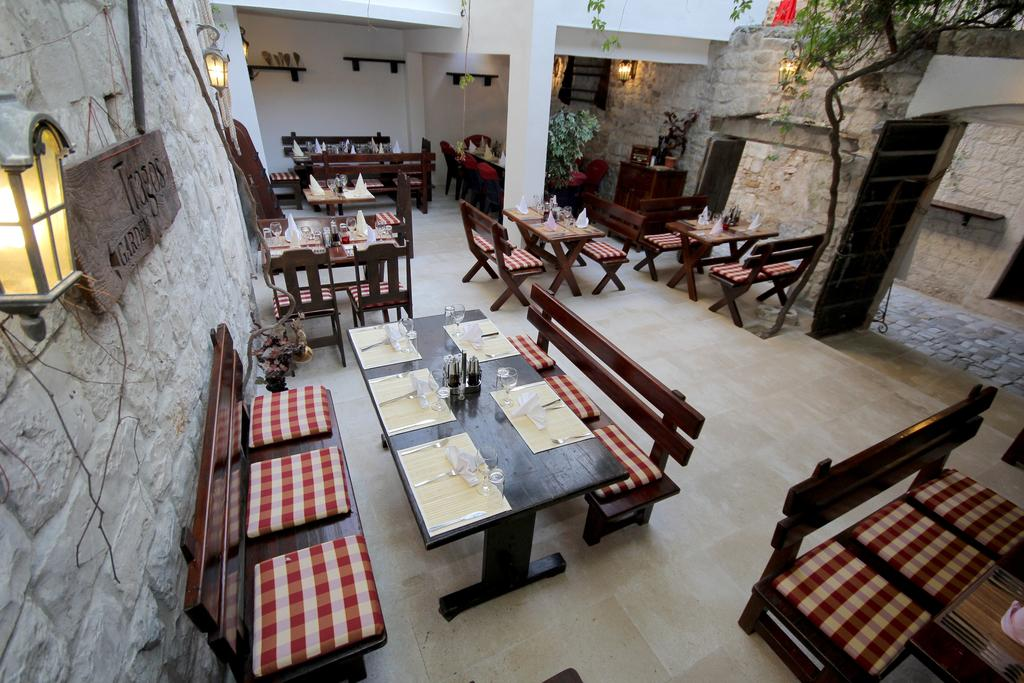 Hotel Tragos dining area
