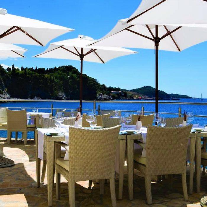 Hotel Bellevue, Duborvnik out door dining facilities
