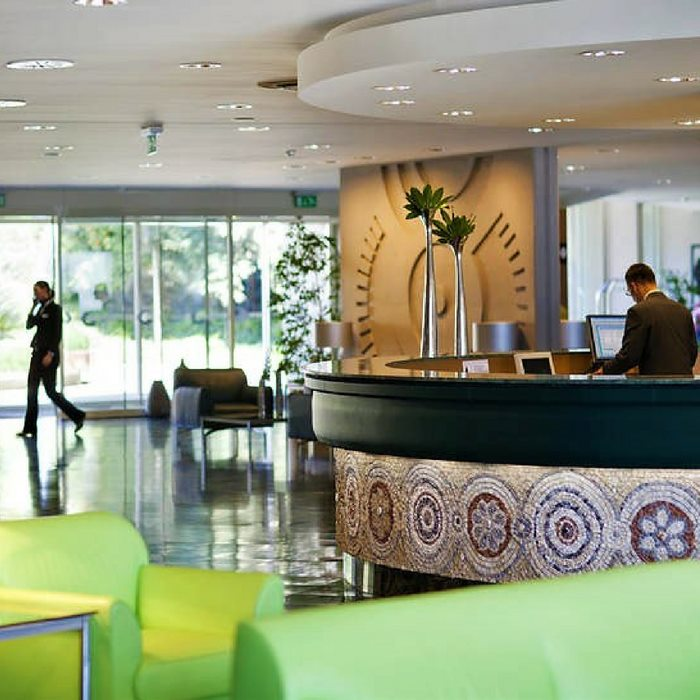 Hotel Croatia, Cavtat reception area