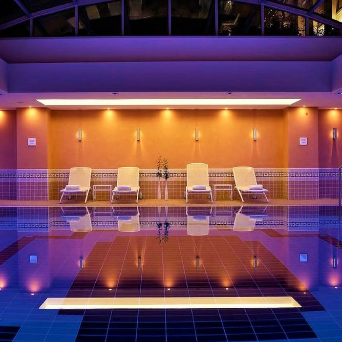 Hotel Hilton Imperial, Dubrovnik indoor pool and lounge chairs