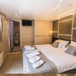 MS Desire cabin