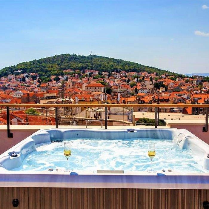 Hotel Cornaro, Split rooftop Jacuzzi