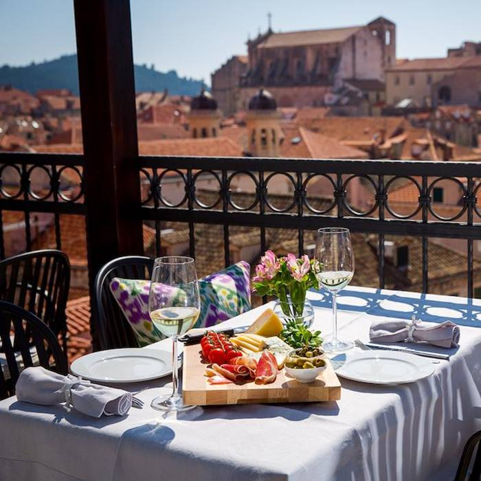 Hotel Stari Grad, Dubrovnik outdoor dining w old town view