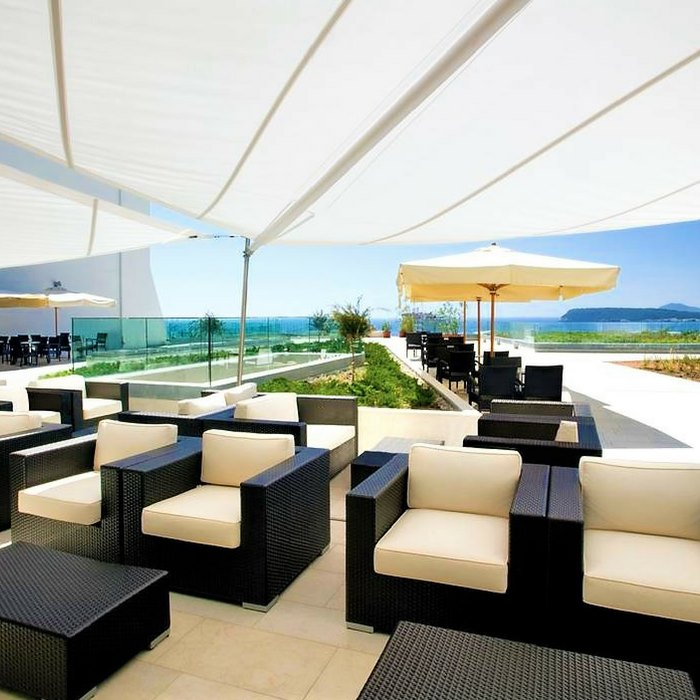 Valmara Lacroma, Dubrovnik outdoor lounge and coffee area