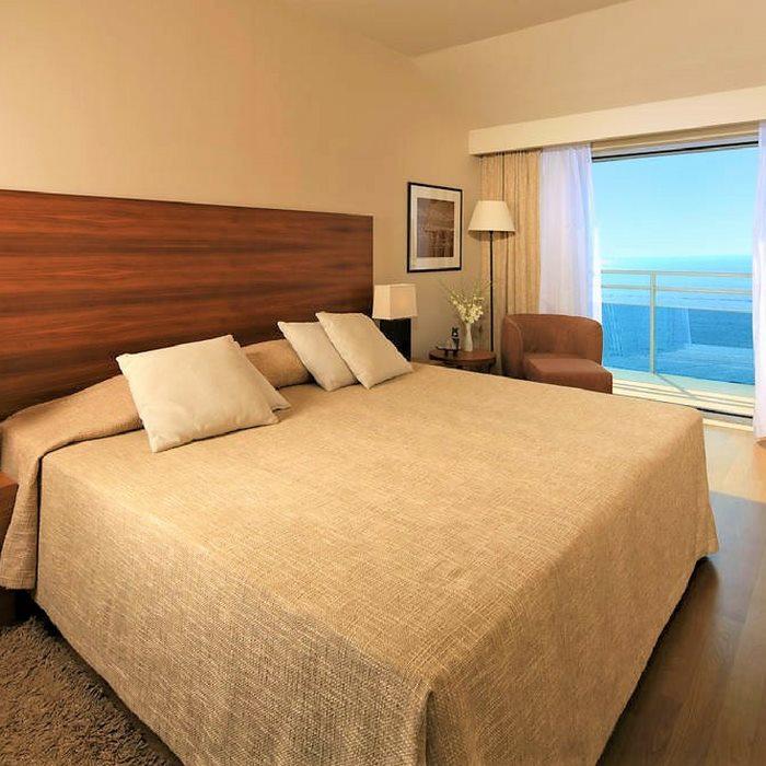 Hotel Bellevue, Duborvnik double bed bedroom with sea view