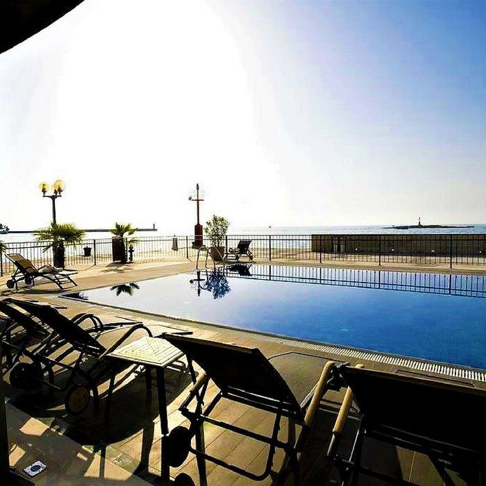 Grand Hotel Palazzo swimming pool