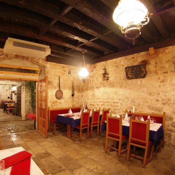 Hotel Tragos dining room