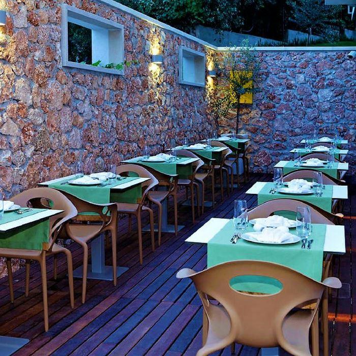 Hotel Bol dining room