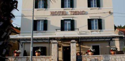 Hotel Tisno, Tisno street view