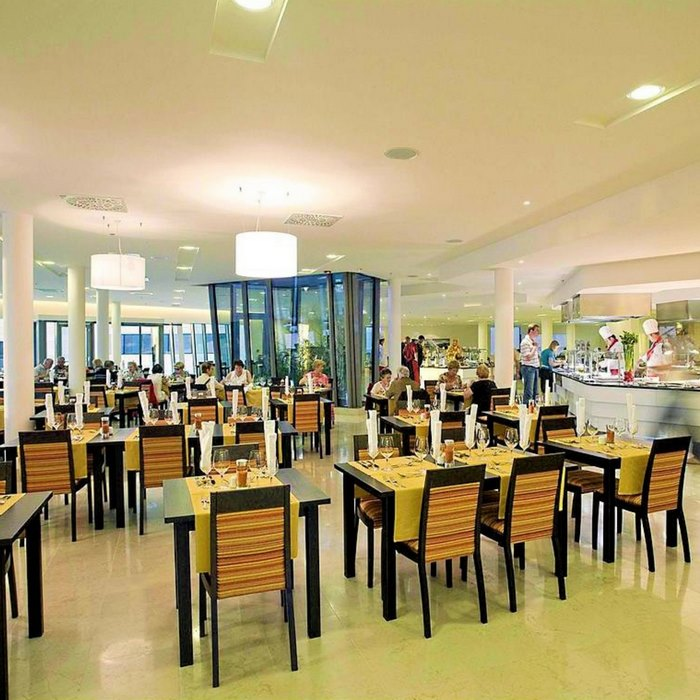 Valmara Lacroma, Dubrovnik indoor dining facilities
