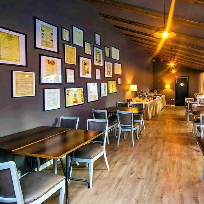 Hotel Jagerhorn, Zagreb indoor art covered restaurant