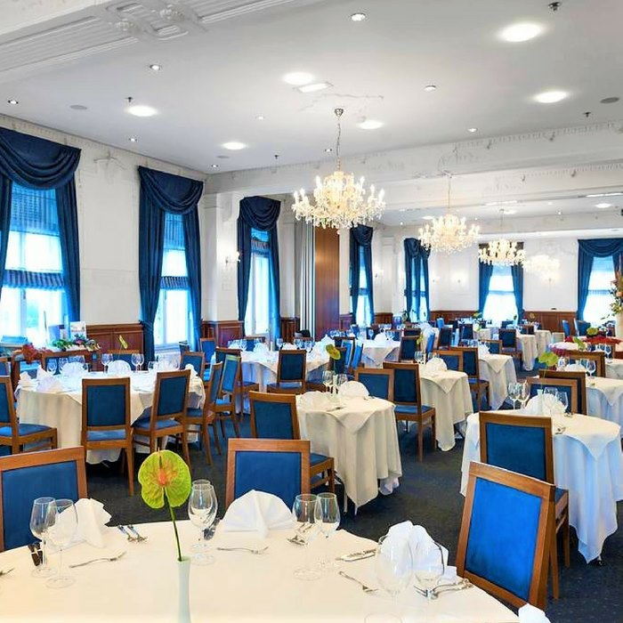 Hotel Bristol dining room