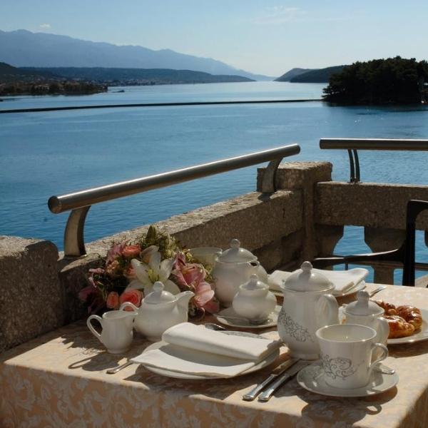 Hotel Arbiana terrace