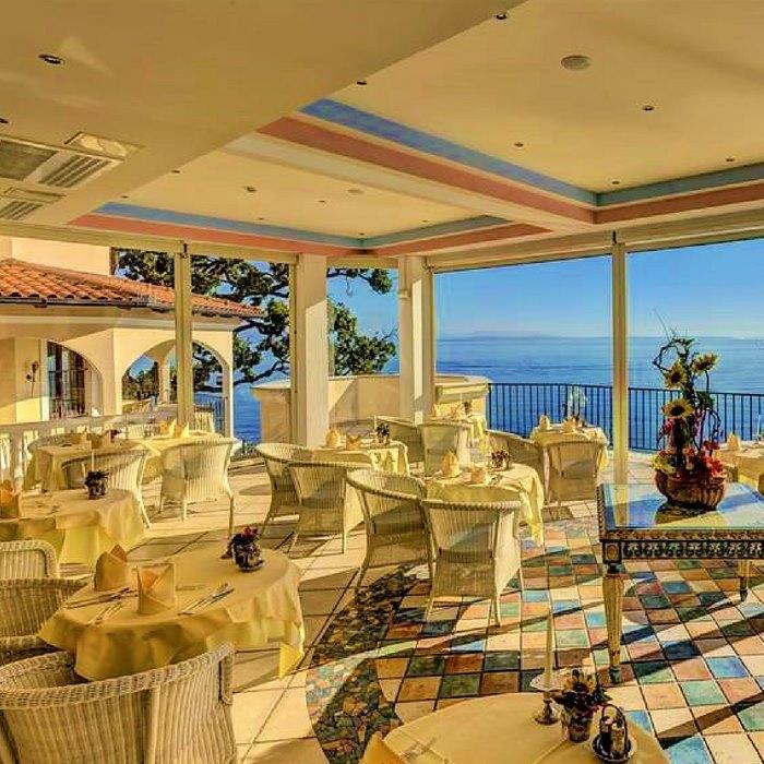 Hotel Miramar dining room