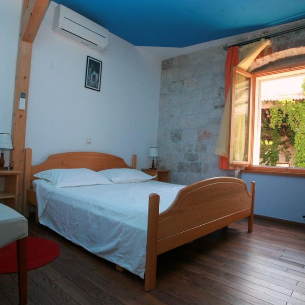 Hotel Tragos room
