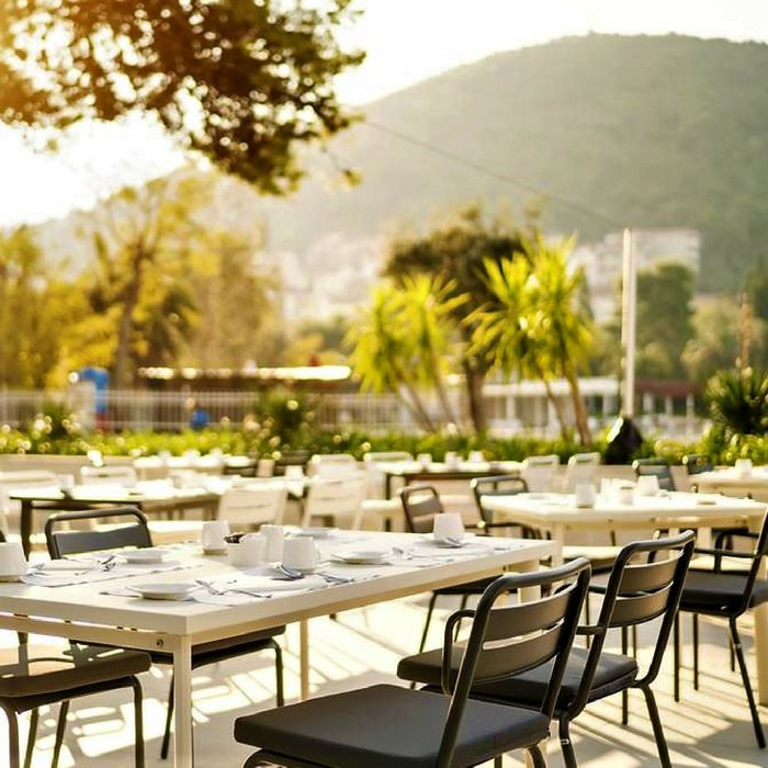 Hotel Kompas, Dubrovnik outdoor dining facilities