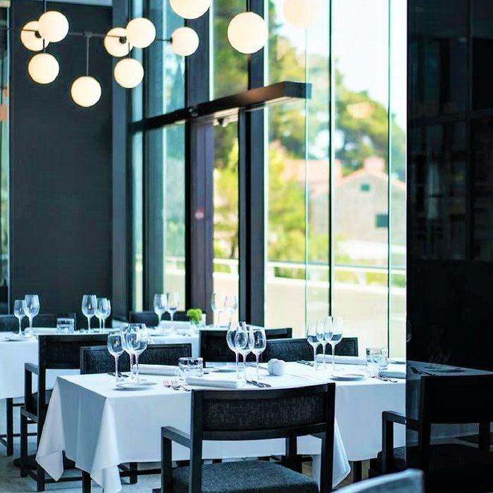 Hotel Excelsior, Dubrovnik indoor restaurant dining facilities