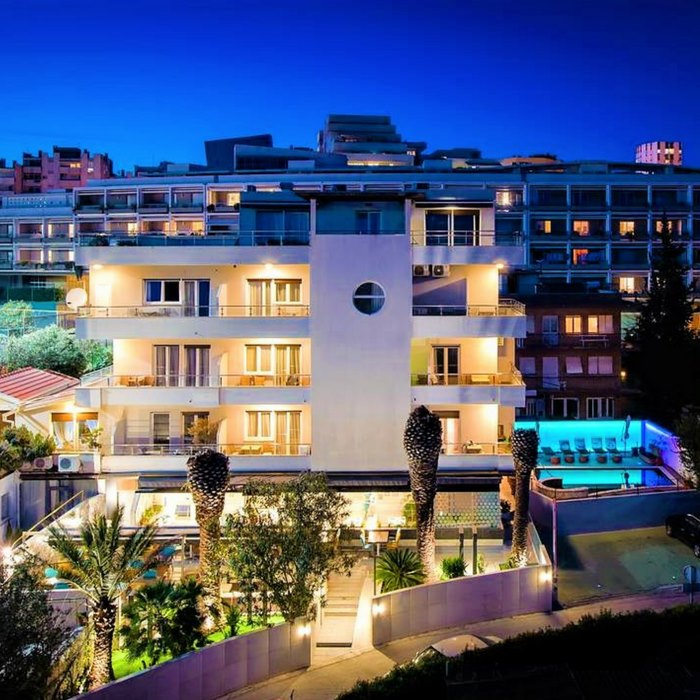 Boban Luxury Suite, Split full view with pool