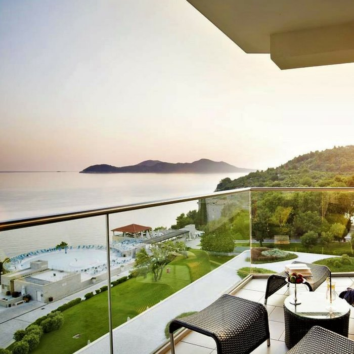 Radisson Blu, Sun Gardens Dubrovnik balcony lounge and dining balcony facilities