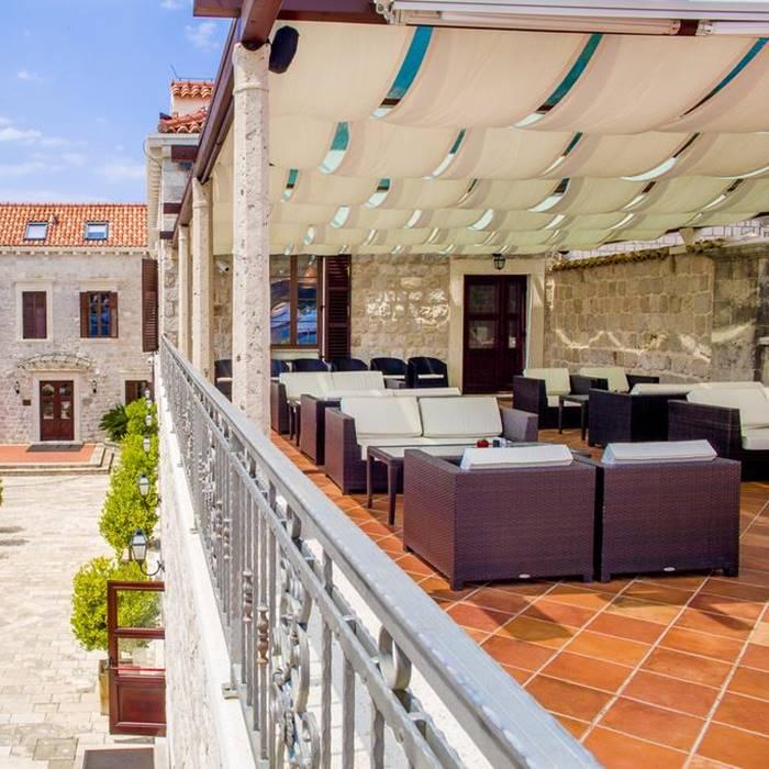 Hotel Kazbek, Lapad balcony dining outdoor area