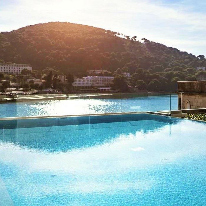 Hotel Kompas, Dubrovnik outdoor infinity pool