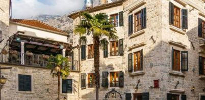 Hotel Monte Cristo, Kotor full view of Hotel form street
