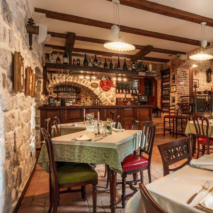 Hotel Monte Cristo, Kotor indoor konoba inspired restaurant