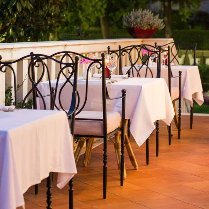 Hotel Zagreb, Dubrovnik romantic outdoor dining facilities