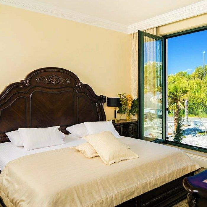 Hotel Royal Princess, Dubrovnik double bed bedroom