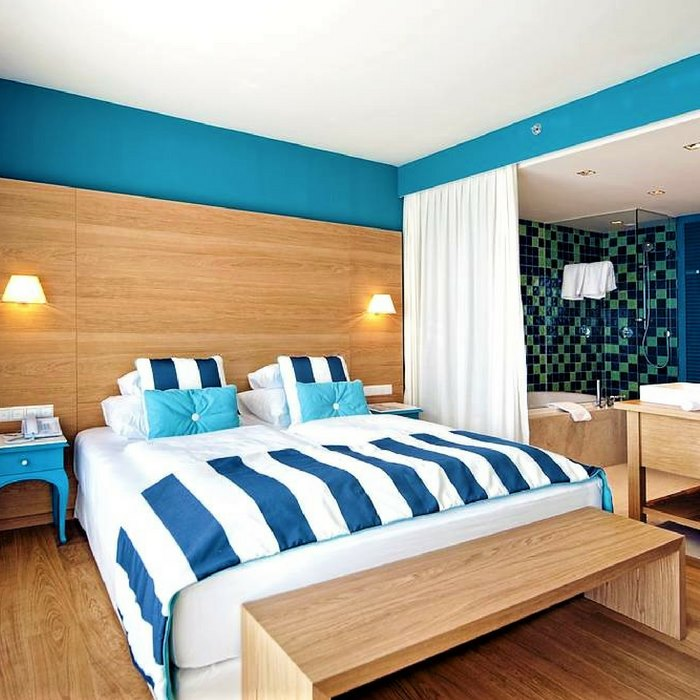 Falkensteiner Hotel &Spa ladera, Zadar double bed bedroom with natural light