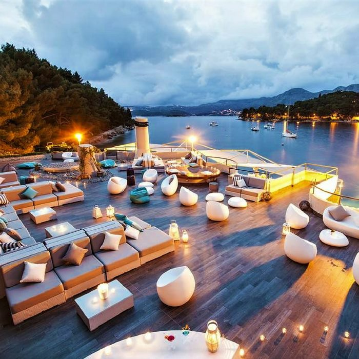 Hotel Croatia, Cavtat lounge area at night with sea view