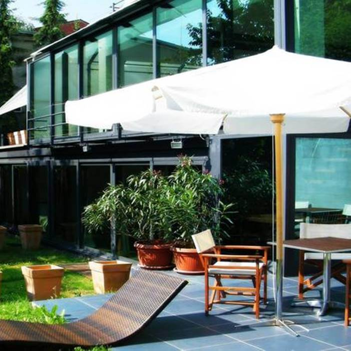 Hotel President, Zagreb outdoor lounge and sunbathing area
