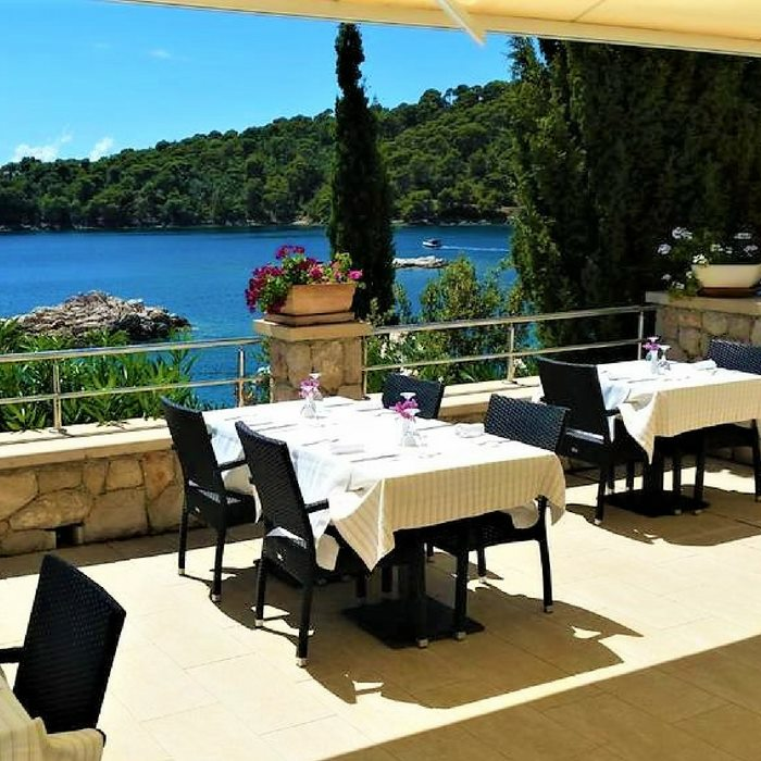 Hotel Bozica, Sipan Island outdoor dining facilities