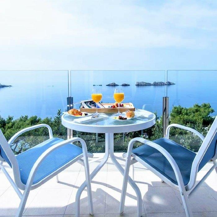 Hotel Neptun, Dubrovnik room balcony lounge area