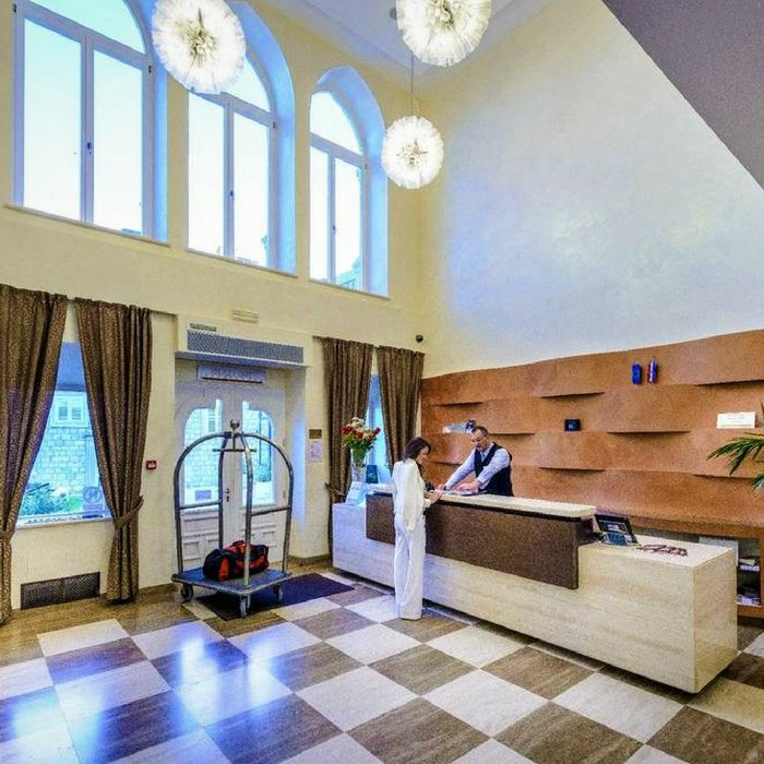 hotel lapad, dubrovnik reception