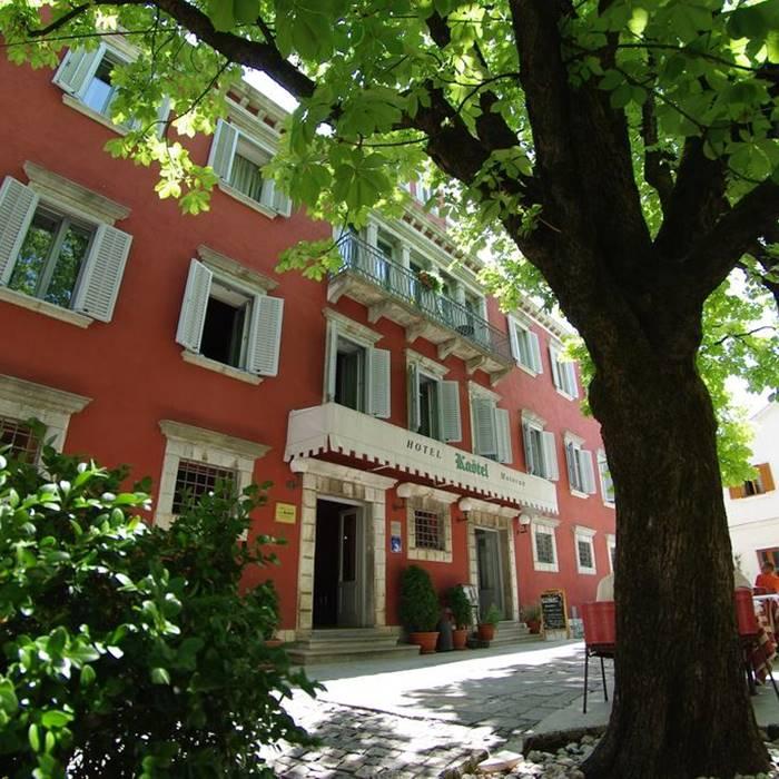 Hotel Kastel entrance